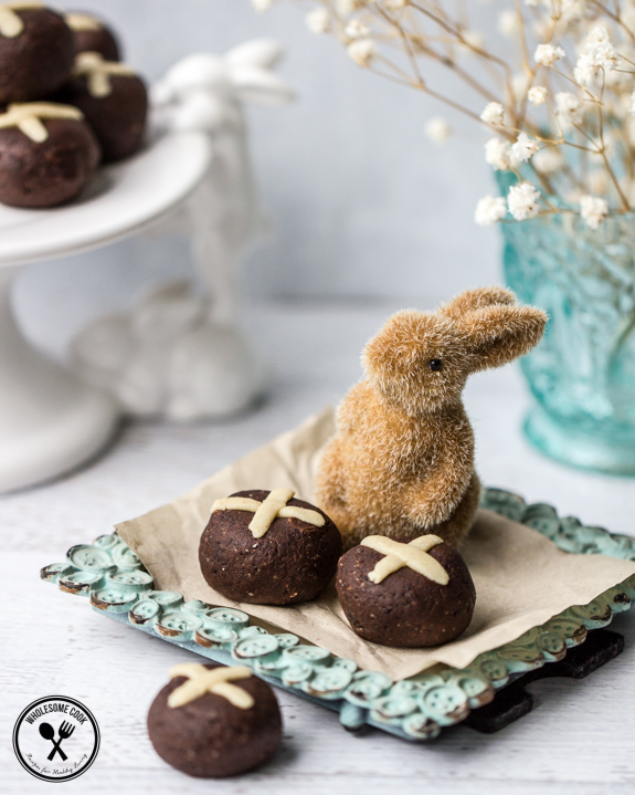 Sugar-free Easter Hot Cross Bun Truffles-6