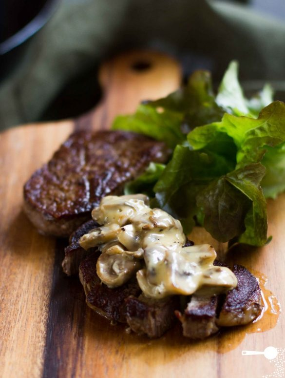 Creamy mushroom sauce for steak